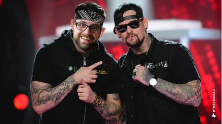 Brothers Graham and Joel Madden hosted last night's Grahammies, taking the opportunity to ask all of the winners if they would please, please, please collaborate with them